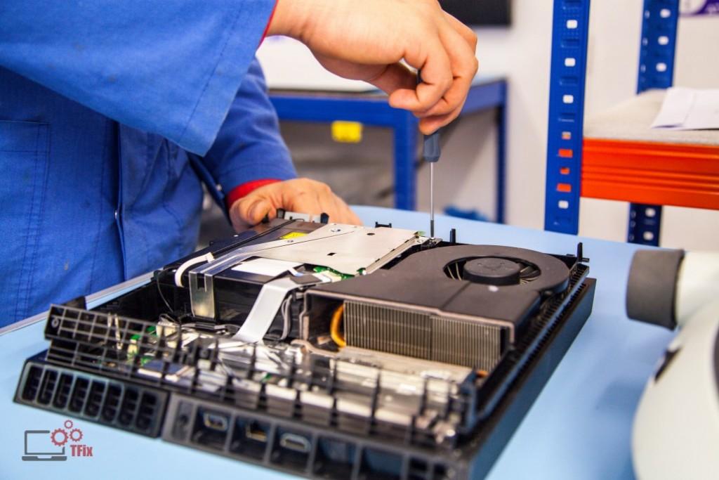 playstation-4-disassembly-south-london-repairs-at-tfix-1030x687